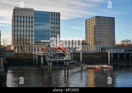 Ville de Glasgow College vu de la rive sud de la rivière Clyde. Banque D'Images