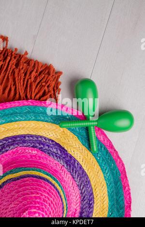 Sombrero mexicain sur fond de bois