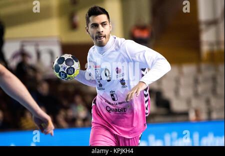 Leon, Espagne. 16 Décembre, 2017. Victor Montoya (Guadalajara) en action pendant la match de hand d'espagnol 2017 Banque D'Images