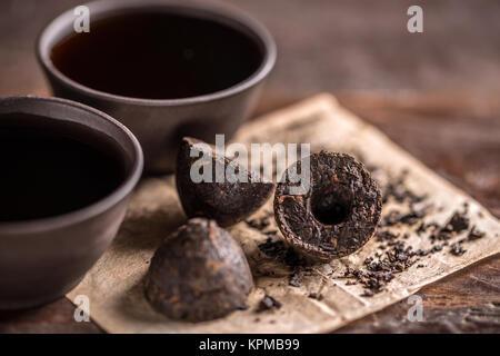 La vie toujours avec le thé pu-erh