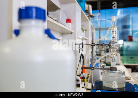 Chemiistry lab (shallow DOF (tons de couleur libre) Banque D'Images