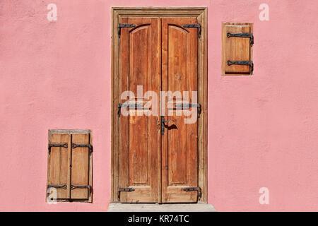 La porte et les fenêtres fermées Banque D'Images