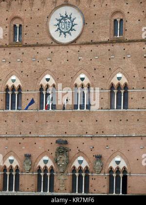 Palazzo Pubblico de Sienne - façade gothique