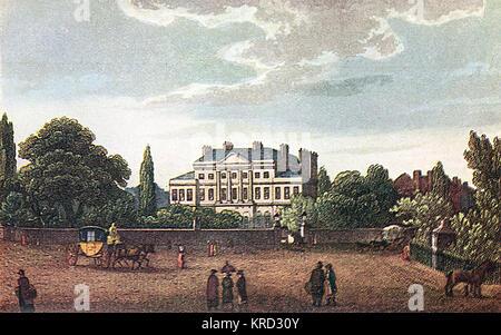 Lansdowne House, Berkeley Square au coeur de Mayfair, Londres. Il a été construit par Robert Adam pour le comte de Bute qui ont vendu avant qu'il a été terminé à la deuxième Comte de Sherburne en 1768. C'était la résidence londonienne du Marquis de Lansdowne, et a été occupé par Gordon Selfridge dans les années 1920. Joseph Priestley, il est bibliothécaire en 1774, période au cours de laquelle il a découvert l'existence de l'oxygène. D'autres occupants célèbres inclus William Pitt le Jeune, Seigneur Rosebery et William Waldorf Astor. Un étroit passage, Lansdowne byway à l'arrière de la maison, était au xviiie siècle un favori r