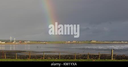 La côte du comté de Down, Irlande du Nord, Royaume-Uni. 29 décembre 2017. Royaume-uni - un jour venteux froid avec de fortes averses sur la côte du comté de Down en Irlande du Nord. Crédit: David Hunter/Alamy Live News.