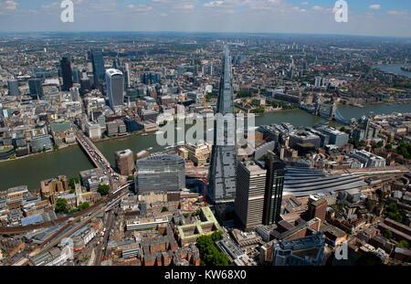 Le Shard London Bridge et que vu de l'air. Banque D'Images