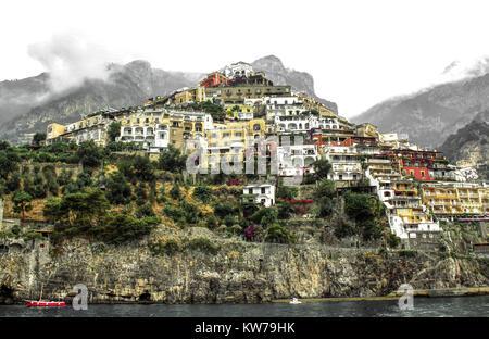 Vue imprenable sur la ville de Positano, sur la côte amalfitaine - Italie Banque D'Images