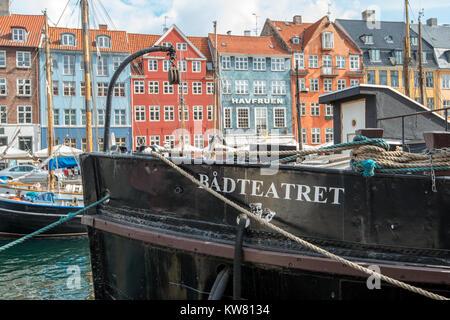 Voile théâtre à Nyhavn, un 17e siècle quartier du port de Copenhague et un front populaire attraction touristique et de divertissement.