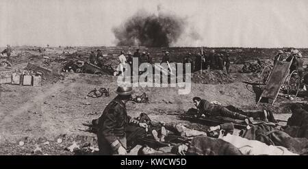 La Seconde Guerre mondiale 1. L'éclatement d'un Jack Johnson 40 cm shell juste au-delà d'un poste de secours sur Banque D'Images