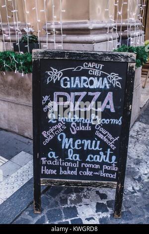 ROME, ITALIE - 30 décembre 2017: Tableau avec menu du bistrot romain célèbre Gia Roma invitant à déguster de délicieux Banque D'Images