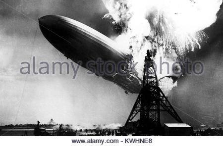 La catastrophe du HINDENBURG 6 mai 1937. Dirigeable allemand LZ 129 Banque D'Images