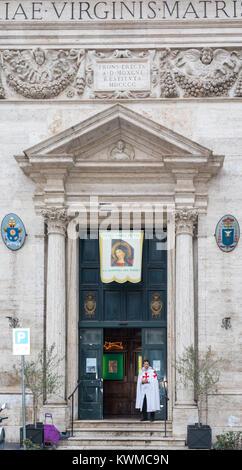ROME, ITALIE - 30 décembre 2017: l'église Santa Maria in Via Pozzo renommée pour la chapelle, qui a été soulevé Banque D'Images