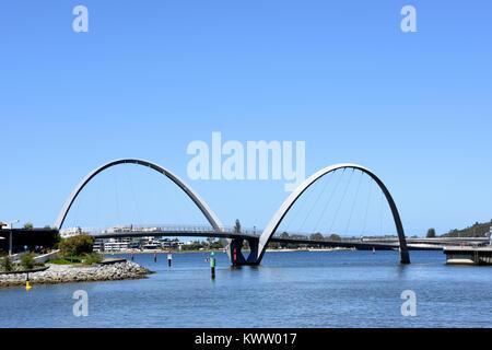Pont pour piétons à Elizabeth Quay area Banque D'Images