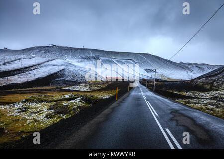 Première neige à Blafjoll ski en Islande au début de septembre Banque D'Images