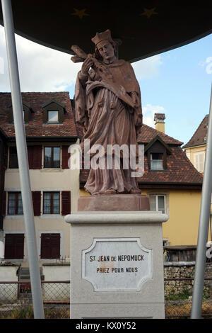 PORRENTRUY, SUISSE - CIRCA JUILLET 2015 statue de St Jean de Nepomuck Banque D'Images