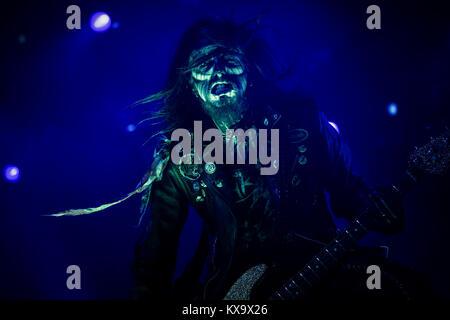 Le chanteur et musicien Rob Zombie effectue un concert live au stade Orange à Roskilde Festival 2014. Ici le bassiste du groupe Piggy D est représenté sur scène. Danemark 04.07.2014.