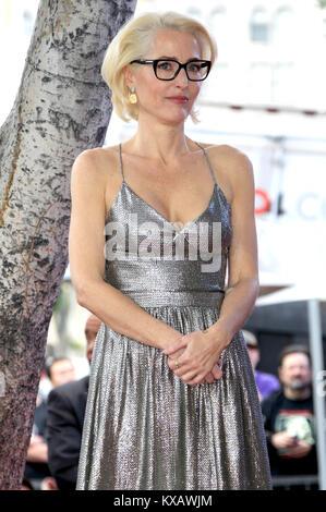 Hollywood, Californie, USA. 05Th Jan, 2018. Gillian Anderson est honoré avec une étoile sur le Hollywood Walk of Banque D'Images