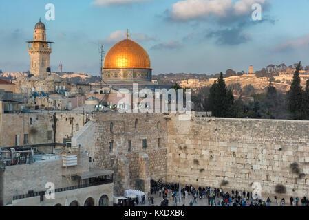 Mur des lamentations et Dôme du rocher d'Or de Jérusalem Vieille Ville, Israël. Banque D'Images