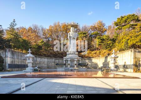 Dans le grand Bouddha du Temple de Bongeunsa, Séoul, Corée du Sud. Banque D'Images