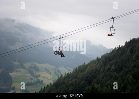 Le paysage est impressionnant à Kirchberg, dans le Tyrol, où la course d'aujourd'hui a eu lieu de l'Enduro Series Banque D'Images