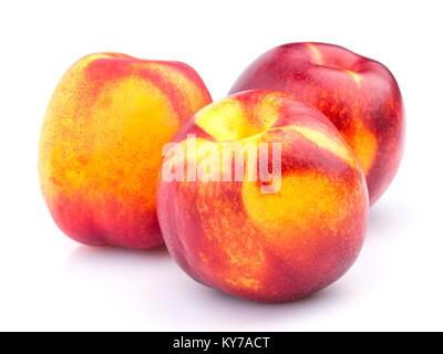 Ensemble de fruits nectarine isolé sur fond blanc Banque D'Images