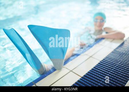 Palmes sur pieds nageur Banque D'Images