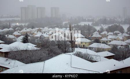 Glasgow, Ecosse, Royaume-Uni. 16 janvier, 2018.UK: Météo du jour au lendemain la neige comme la tempête polaire Banque D'Images