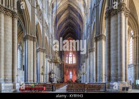 France, Marne (51), Reims, cathédrale Notre-Dame de Reims, classée patrimoine mondial de l'UNESCO, la nef // France, Marne, Reims, cathédrale Notre Dame