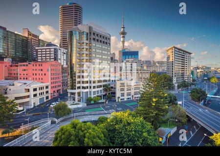 Auckland. Image de ville aérienne skyline Auckland, Nouvelle-Zélande au cours de journée d'été. Banque D'Images