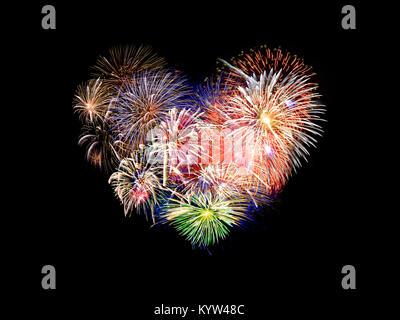 D'artifice coloré en forme de coeur
