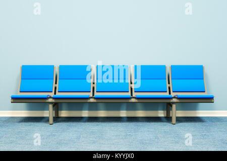 Cinq sièges dans une rangée contre un mur dans une salle vide - salle d'attente, l'hôpital, les médecins de médecine, Banque D'Images