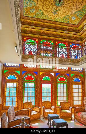 SHIRAZ, IRAN - 12 octobre 2017: Naranjestan complexe est endroit agréable pour profiter de l'architecture perse Banque D'Images