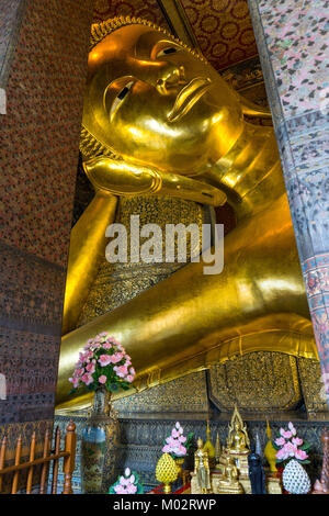Asie,Thaïlande,Bangkok, Wat Pho temple,le bouddha couché Banque D'Images