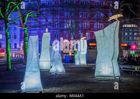 Londres, Royaume-Uni. 18 janvier, 2018. Vie nocturne animée par la Compagnie de la Lanterne avec Jo Pocock à Leicester Banque D'Images