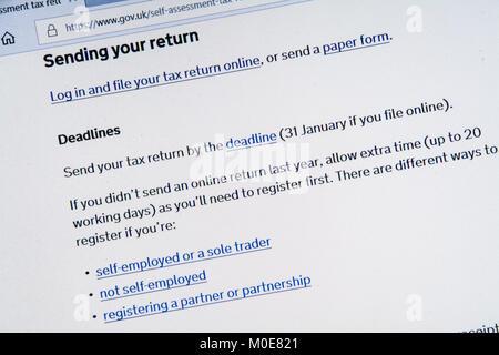 Capture d'écran de l'ordinateur avec gov.uk site montrant l'auto-évaluation renseignements de déclarations de revenus Banque D'Images