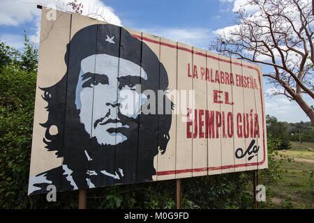 """Ernesto """"Che"""" Guevara billboard à Cuba Banque D'Images"""