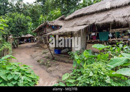 L'Asie, THAÏLANDE, Chiang Mai, Ban Huay Pa Rai Hill Village Banque D'Images
