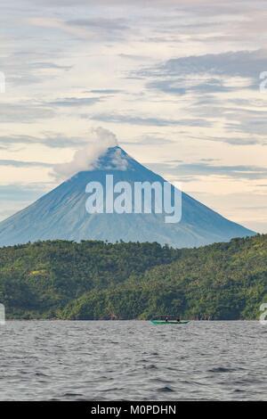 Luzon aux Philippines, la Province d'Albay,,Francois,du volcan Mayon