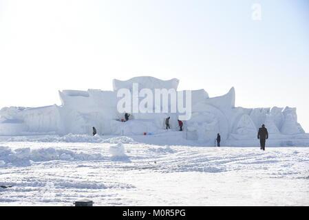 Hohhot, Hohhot, Chine. 14Th Jan, 2018. Hohhot, Chine 14ème Janvier 2018: Le festival de la glace et de la neige est tenue à Hohhot, Chine du nord, région autonome de Mongolie intérieure. Crédit: SIPA Asie/ZUMA/Alamy Fil Live News