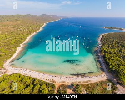 La Croatie, Dalmatie du Nord, de la côte dalmate, archipel de Zadar, l'île de Dugi Otok, Sakarun beach (vue aérienne)