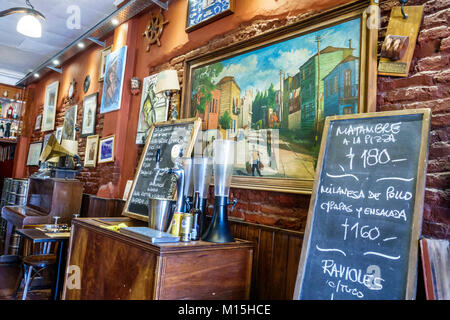 Buenos Aires Argentine Caminito Barrio de la Boca La Ribera del Tango restaurant bar bar de quartier menu tableau Banque D'Images