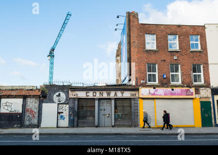 Bâtiments abandonnés et la dégradation du milieu urbain sur Thomas Street, vieille ville de Dublin, Irlande, UK Banque D'Images
