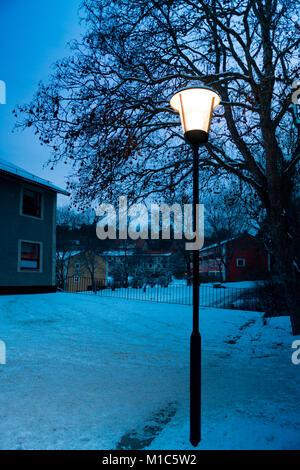 Crépuscule photo pendant un jour d'hiver à Nockeby, Stockholm, l'une des banlieues de Stockholm Banque D'Images