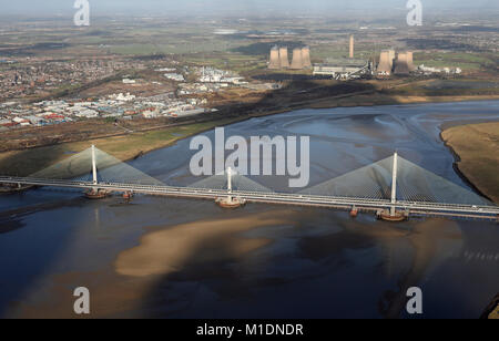 Vue aérienne de la nouvelle passerelle Mersey Runcorn Bridge, Chehsire, UK