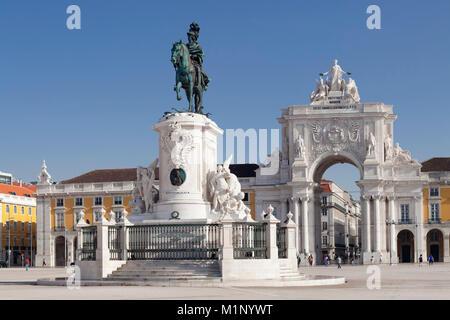 Arco da Rua Augusta de triomphe, King Jose JE Monument, Praca do Comercio, la Baixa, Lisbonne, Portugal, Europe Banque D'Images