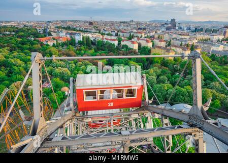 Prater Riesenrad de Vienne, vue sur le parc Prater et le paysage urbain de Vienne depuis la roue de Riesenrad, Vienne, Autriche.