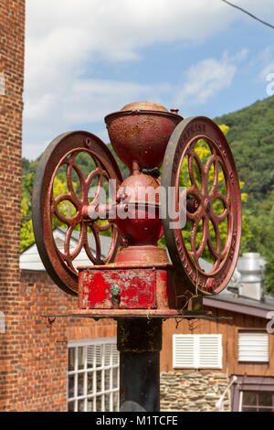 Rectifieuse de café sur l'affichage dans le Harper's Ferry National Historic Park, comté de Jefferson, West Virginia, Banque D'Images