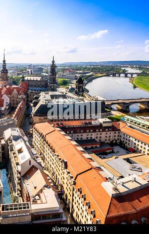 Vue panoramique sur Dresde du haut de la Frauenkirche, église - Allemagne Banque D'Images
