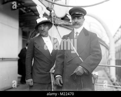 Louis Blériot, aviateur français Louis Blériot (1872-1936) et son épouse Alicia Banque D'Images