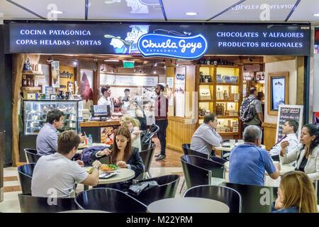 Argentine, Buenos Aires, Galerias Pacifico centre commercial, aire de restauration plaza, Abuela Goye, Patagonia produits régionaux, restaurant restaurants repas e Banque D'Images